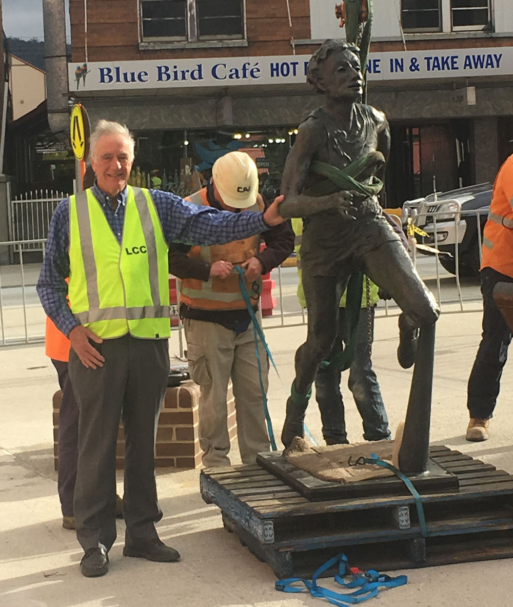 Mayor with Marjorie Jackson Statue